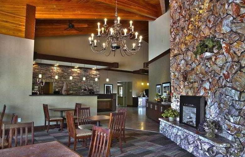 Best Western Town & Country Inn - Hotel - 25