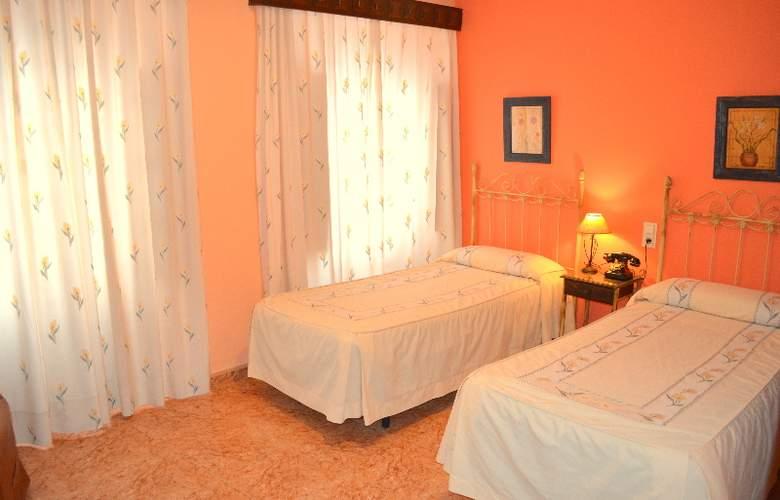 Plaza San Sebastian - Room - 9