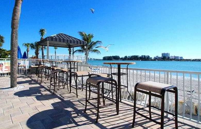 Quality Hotel on the Beach - Terrace - 9