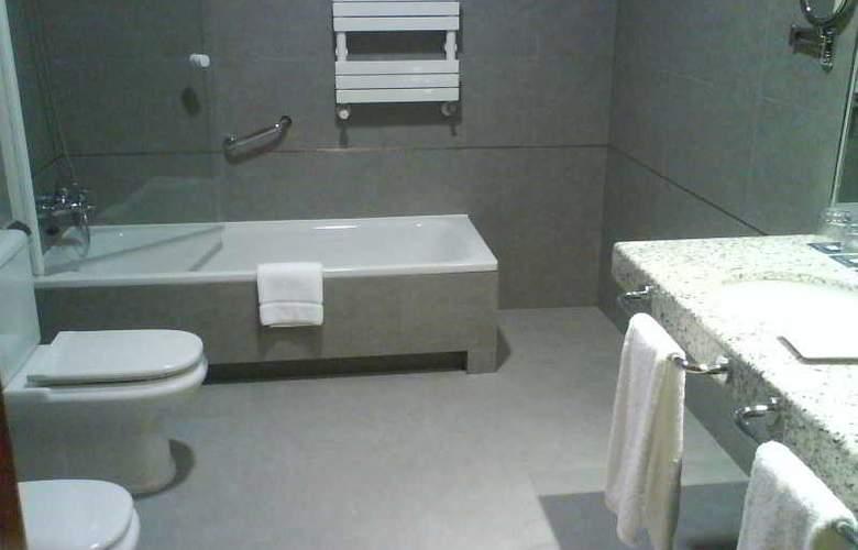 Hospes Palacio de Arenales - Room - 16