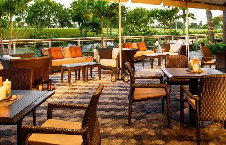 Sheraton Miami Airport & Executive Meeting Center - Terrace - 42