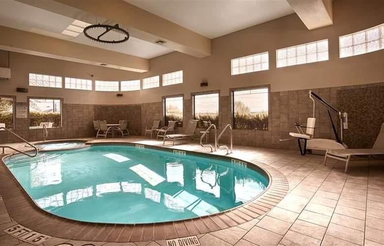 Best Western Plus Atrea Hotel & Suites - Pool - 53