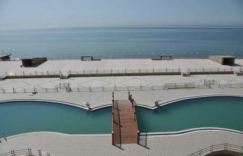 Aysberq Hotel - Pool - 21