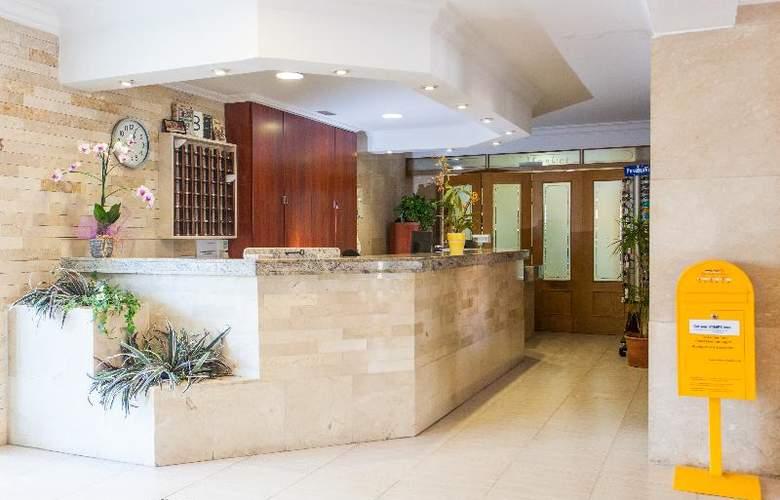 Apartamentos Benhur - General - 1