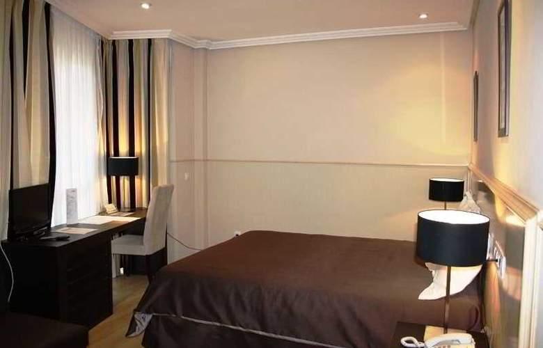 Suites Feria de Madrid - Room - 6