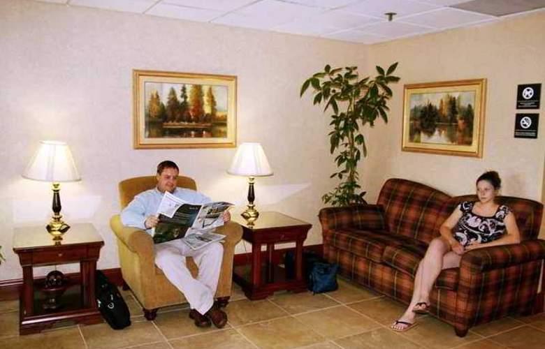 Wingate by Wyndham Springfield - Hotel - 0