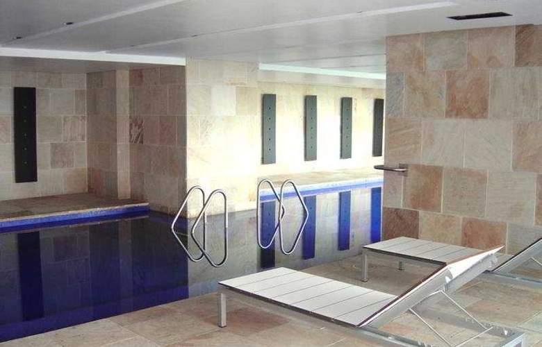 Hilton Mexico City Reforma - Pool - 17
