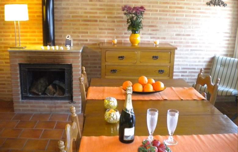 La Estancia - Villa Rosillo - Room - 14