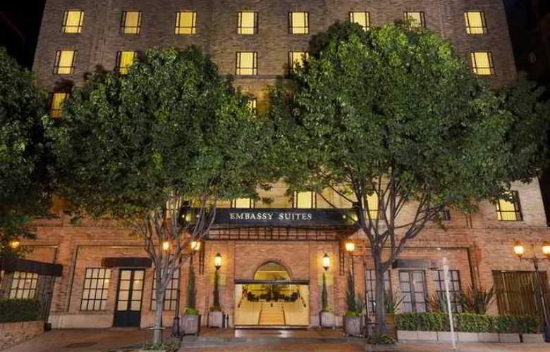 Embassy Suites - Hotel - 3