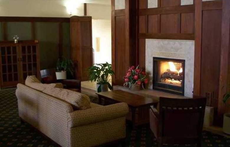 Hampton Inn & Suites Providence Warwick-Airport - Hotel - 1