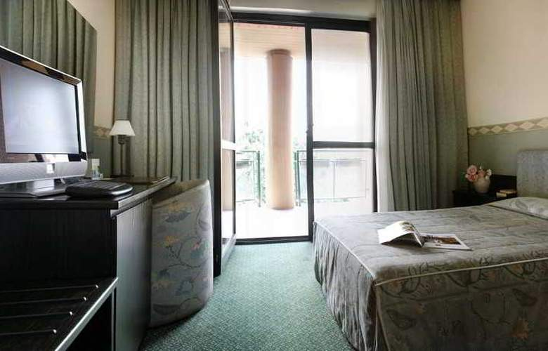 Pacific Airport - Room - 6