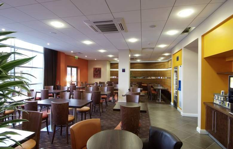 Holiday Inn Express Slough - Bar - 7