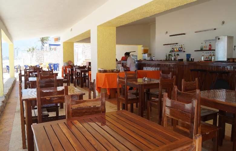 Solymar Beach Resort - Bar - 24