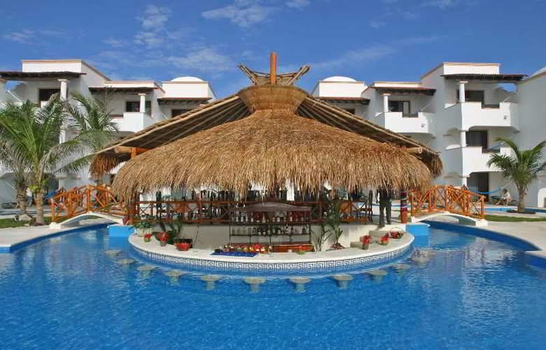 Hidden Beach Resort All Inclusive - Bar - 7