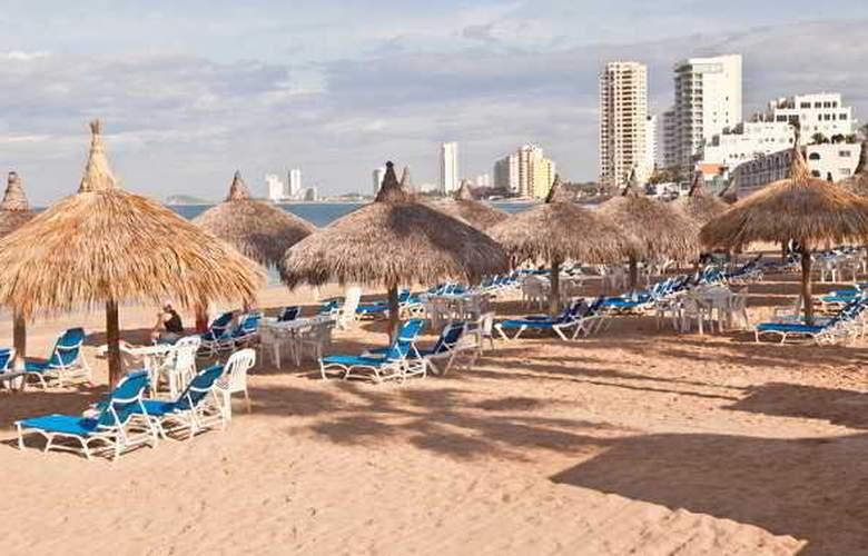 El Cid Marina Beach Hotel - Beach - 3