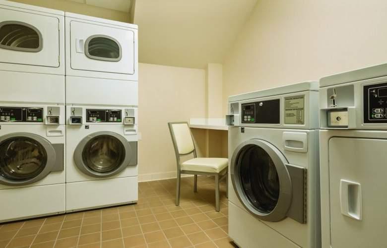 Homewood Suites Midtown Manhattan - Services - 26