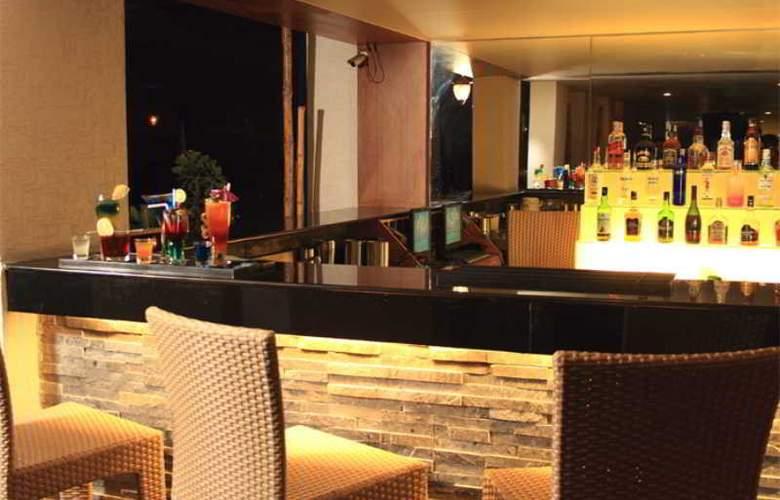 Aurick Hotel - Bar - 18