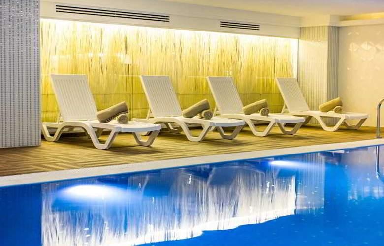 Azak Hotel Topkapi - Pool - 12