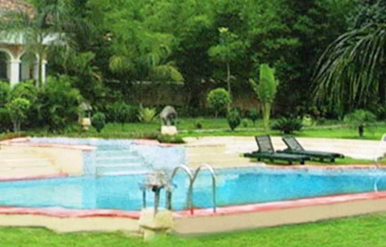 Tuli Tiger Resort - Pool - 5