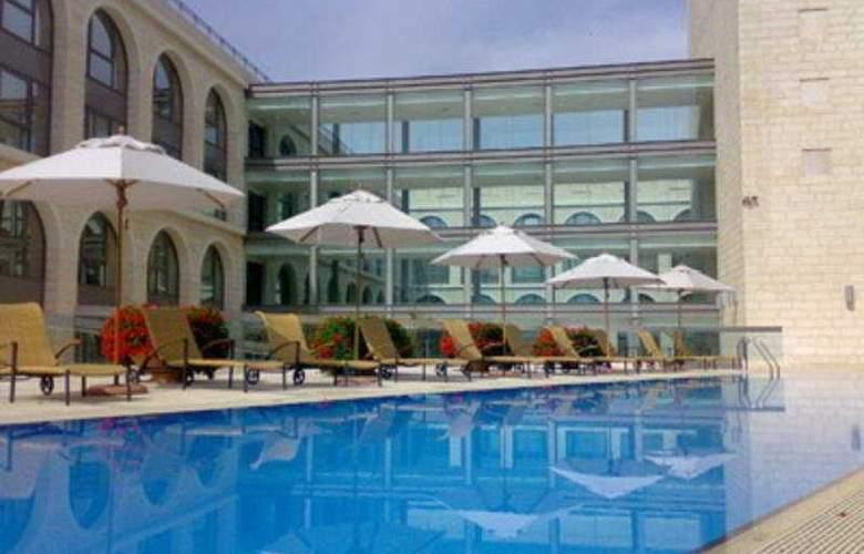 Grand Court - Pool - 4