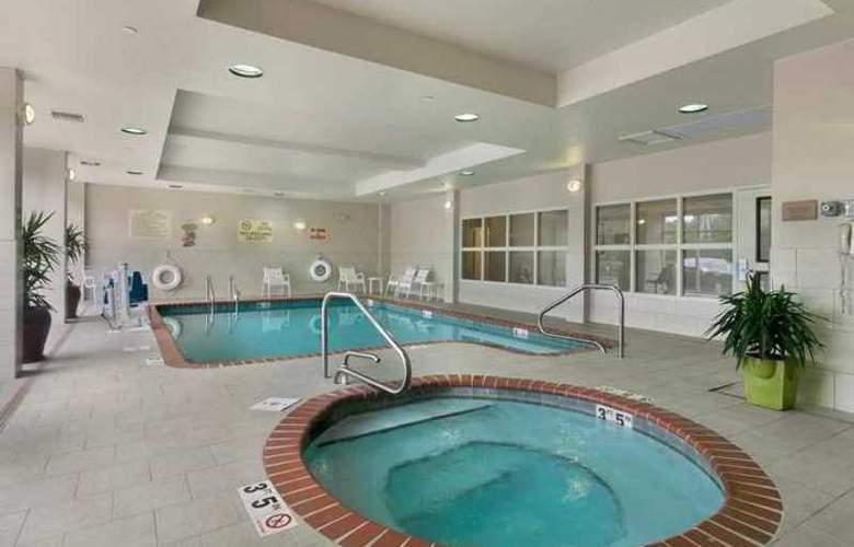 Hilton Garden Inn Birmingham- Lakeshore Drive - Hotel - 10