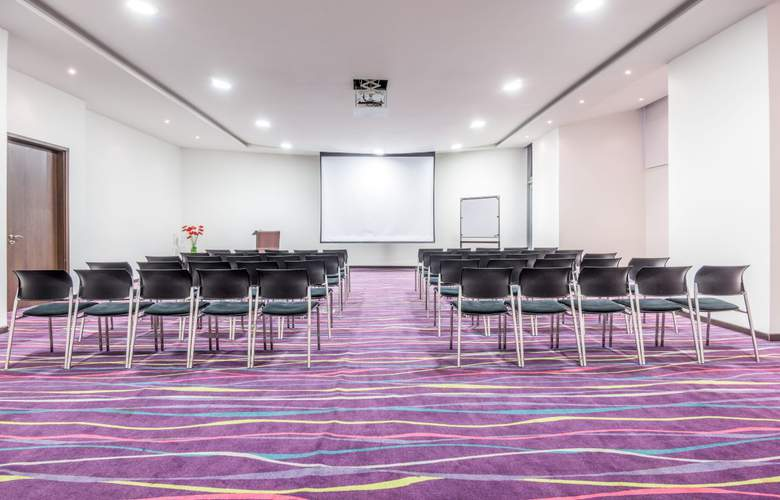 NH Collection Barranquilla Smartsuites Royal - Conference - 6