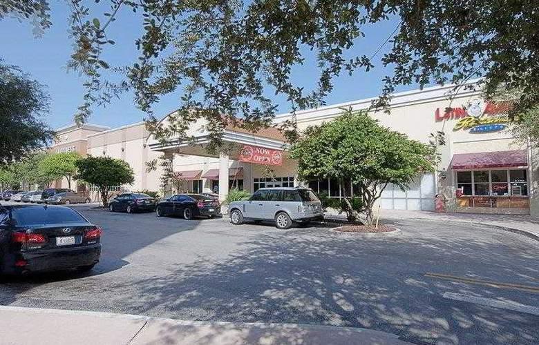 Best Western Plus Kendall Hotel & Suites - Hotel - 28