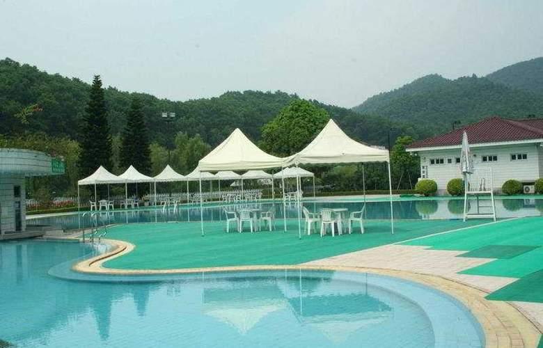 Oriental Resort - Pool - 3