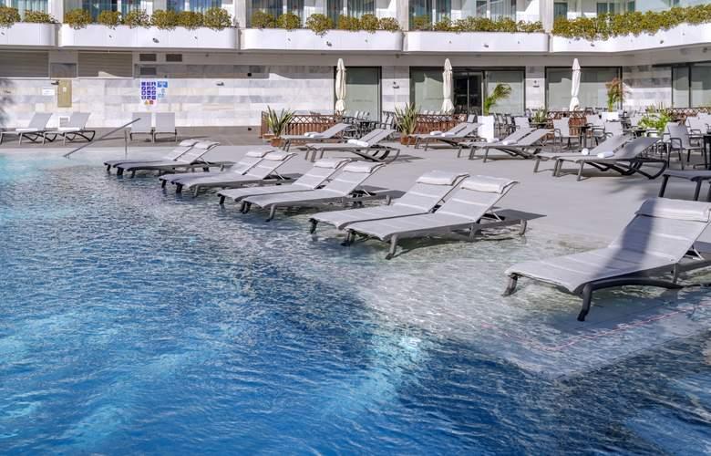 Olympus Palace - Pool - 30