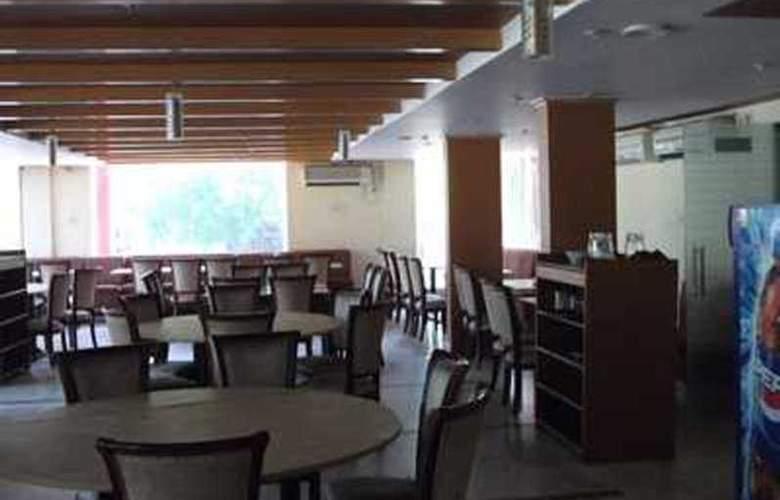 Barons Inn - Restaurant - 8