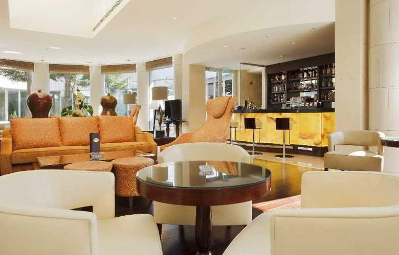 Crowne Plaza Bucharest - Bar - 13