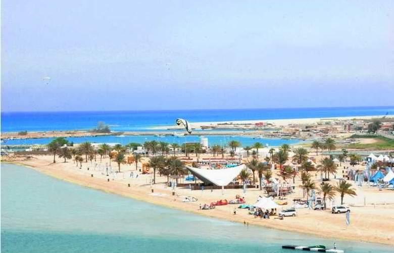 Mirfa - Beach - 7