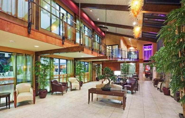 Holiday Inn Cape Cod-Hyannis - General - 13