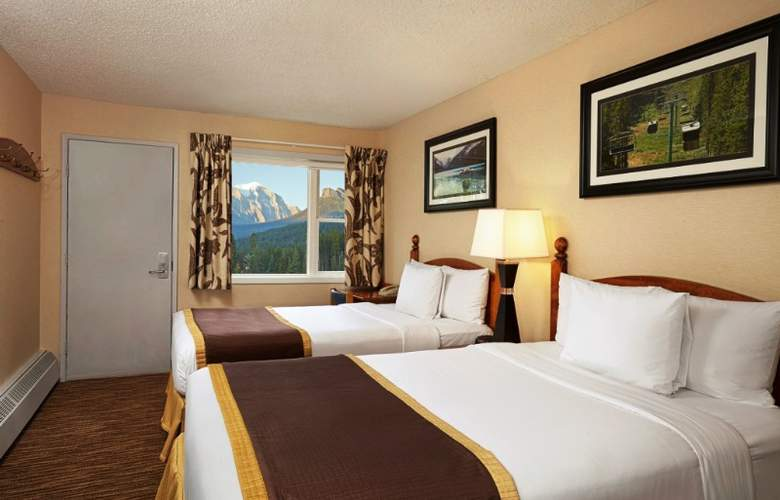 Lake Louise Inn - Room - 8