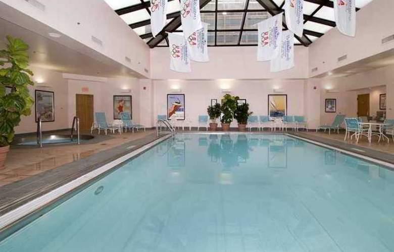 Hilton Indianapolis Hotel & Suites - Hotel - 10
