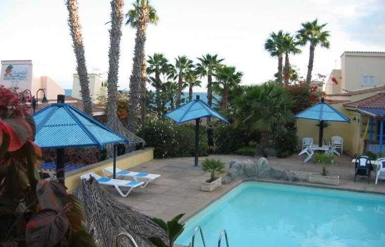 Side Shore - Pool - 2