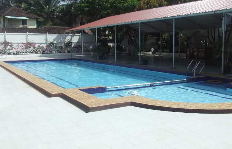 Angels Resort - Pool - 14