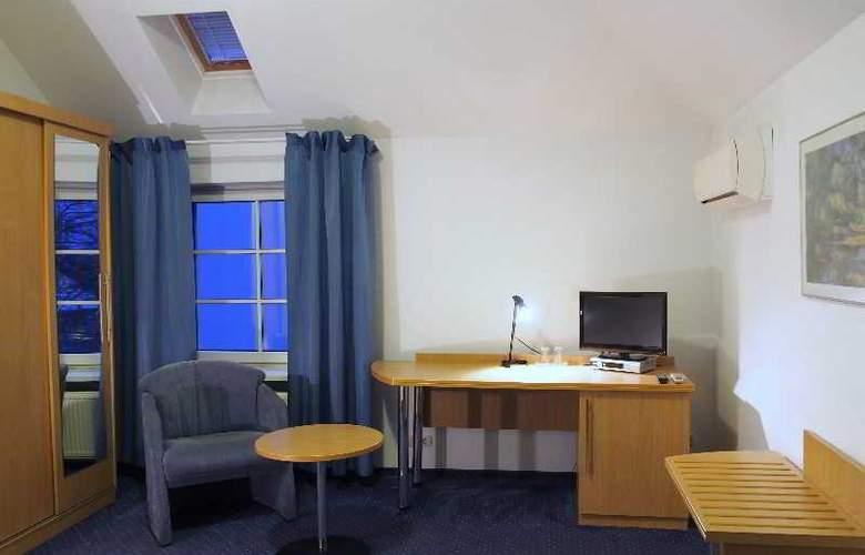 Telecom Guest - Room - 12