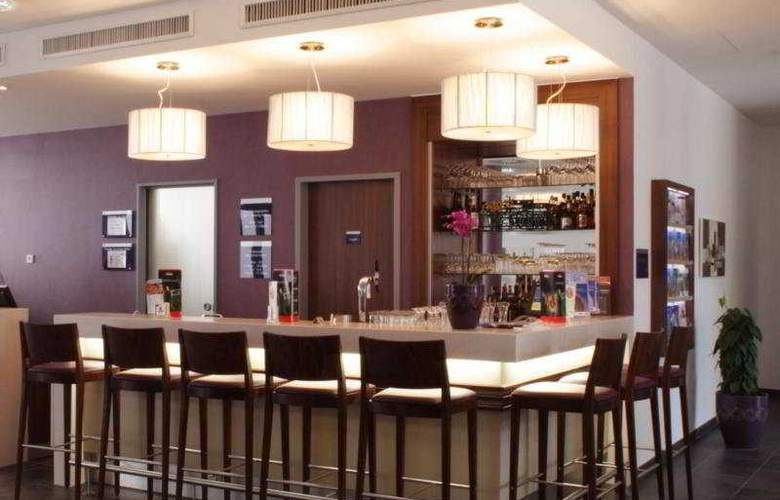 Holiday Inn Express Baden-Baden - Bar - 3