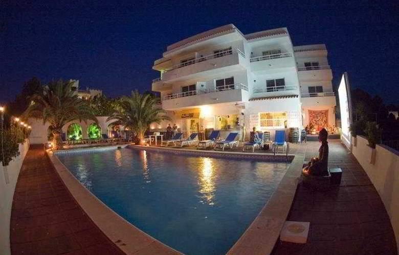 Sunset Point Sports Resort - General - 2