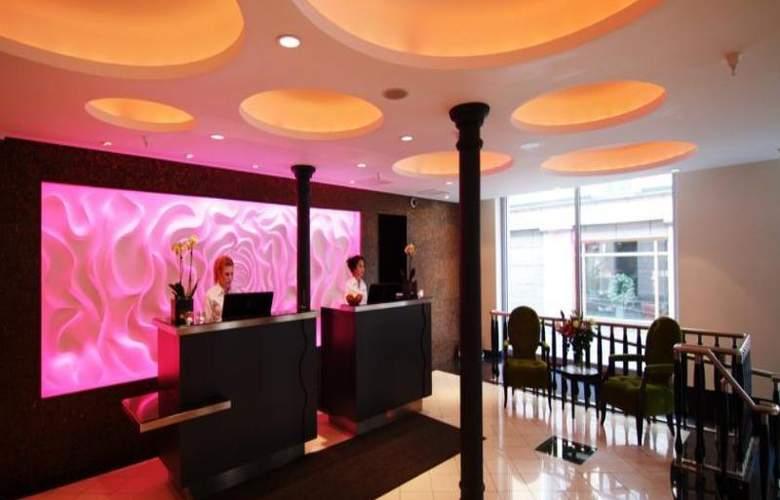 Adlon - Hotel - 4