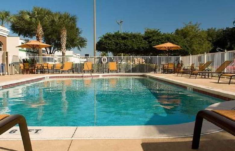 Fairfield Inn and Suites Lake Buena Vista - Pool - 2
