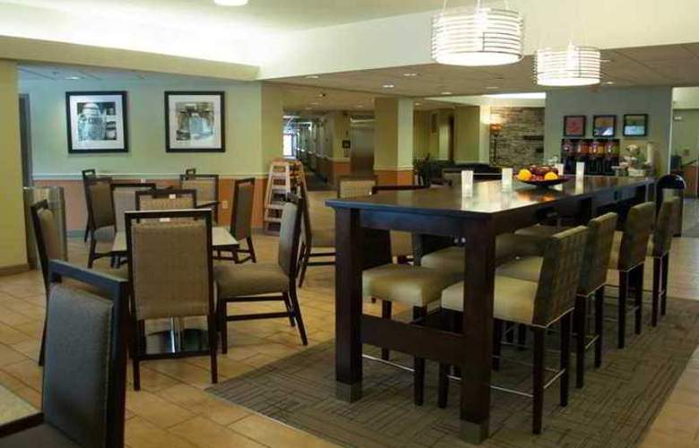 Hampton Inn Carlisle - Hotel - 1