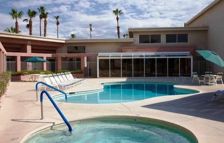The Plaza Resort & Spa - Pool - 2