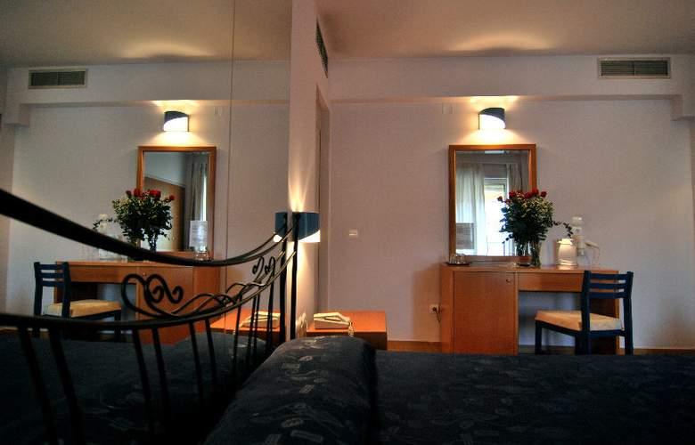 Iniohos Hotel - Room - 5