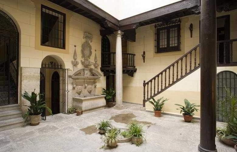 Museo Palacio de Mariana Pineda - Hotel - 0