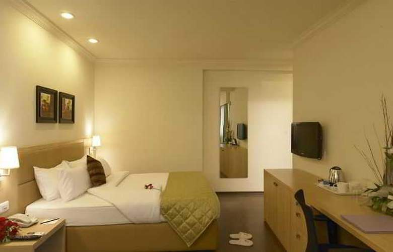 Royal Orchid Suites - Room - 1