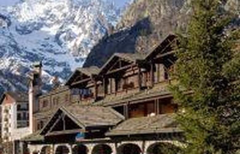 Hotel Mont Blanc - Hotel - 0