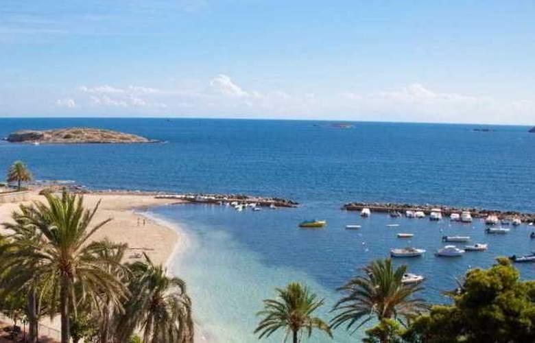 Sirenis Tres Carabelas & SPA - Beach - 4