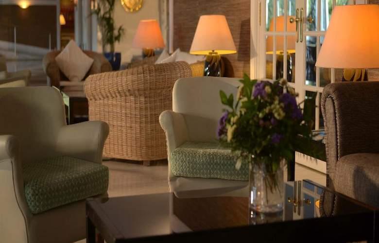 Augusta Club Hotel & Spa - General - 11